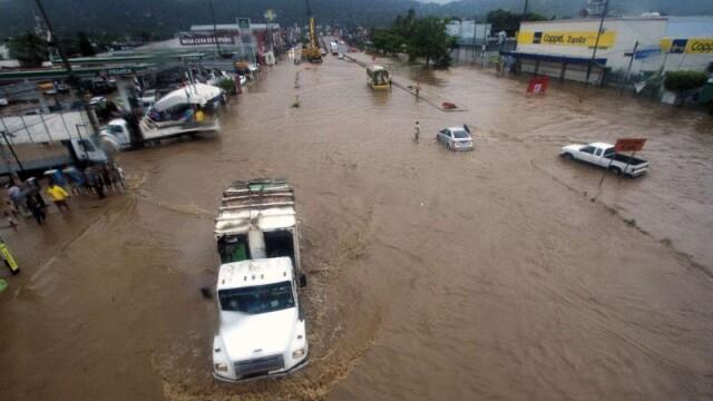 Furtuna tropicala in Mexic