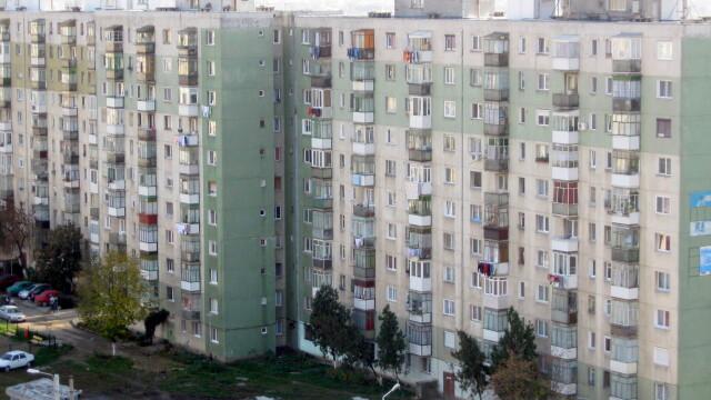 bloc, Arad