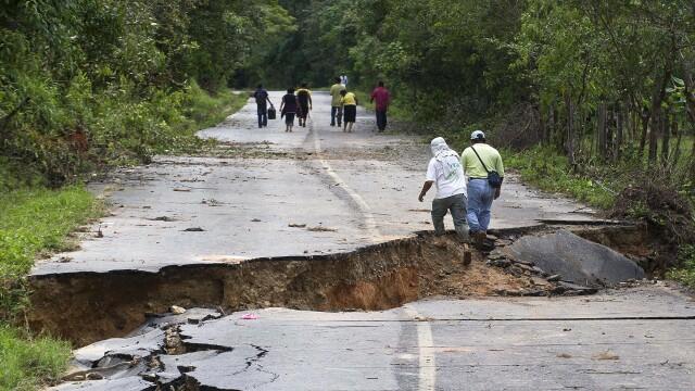 Imagini de groaza din Mexic. Bilantul furtunilor a ajuns la 97 de morti si 58 de disparuti