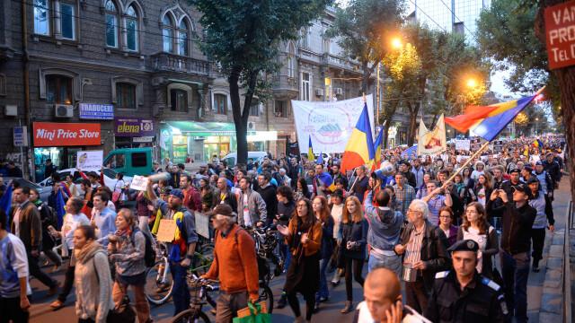 Proteste fata de proiectul Rosia Montana. Aproape 15.000 de oameni au iesit in strada, in Capitala - Imaginea 1