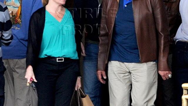 Gestul care confirma ca Arnold Schwarzenegger are o noua iubita. Cum l-au pozat paparazzi. FOTO - Imaginea 1