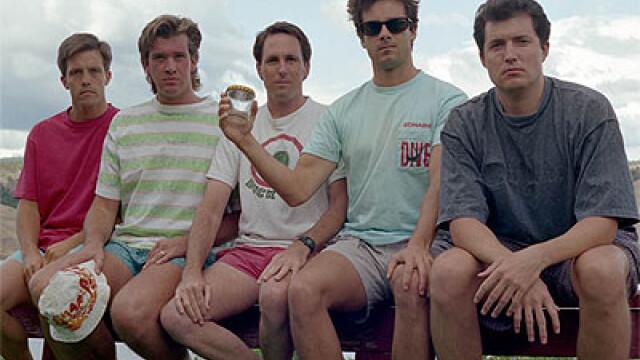 5 prieteni din SUA se intalnesc la fiecare 5 ani ca sa faca aceeasi fotografie, in aceleasi pozitii si in acelasi loc. FOTO - Imaginea 3