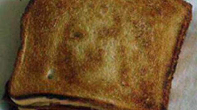 Premiile Ig Nobel 2014: Ce se intampla in creierul oamenilor atunci cand vad fata lui Iisus pe felia de paine prajita
