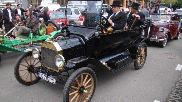 Tomitans' Clasic Cars Constanta. Raliul masinilor de epoca, vechi de 95 de ani. GALERIE FOTO - Imaginea 1