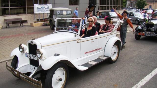 Tomitans' Clasic Cars Constanta. Raliul masinilor de epoca, vechi de 95 de ani. GALERIE FOTO - Imaginea 3