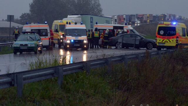 ANIMATIE GRAFICA. Filmul accidentului din Ungaria, in care 13 romani au fost raniti. Ce au povestit pasagerii - Imaginea 3