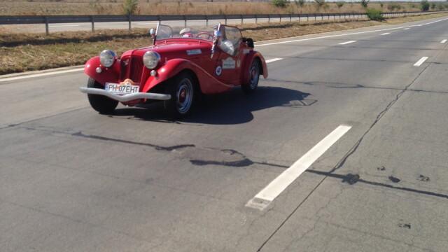 Tomitans' Clasic Cars Constanta. Raliul masinilor de epoca, vechi de 95 de ani. GALERIE FOTO - Imaginea 6