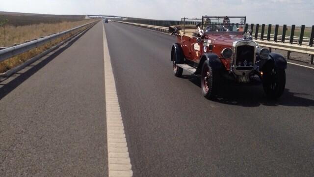 Tomitans' Clasic Cars Constanta. Raliul masinilor de epoca, vechi de 95 de ani. GALERIE FOTO - Imaginea 11