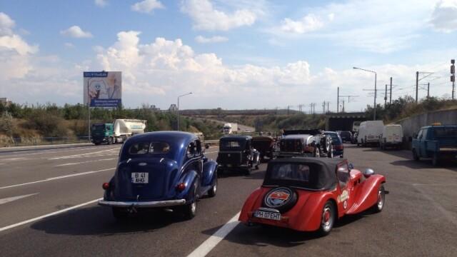 Tomitans' Clasic Cars Constanta. Raliul masinilor de epoca, vechi de 95 de ani. GALERIE FOTO - Imaginea 17