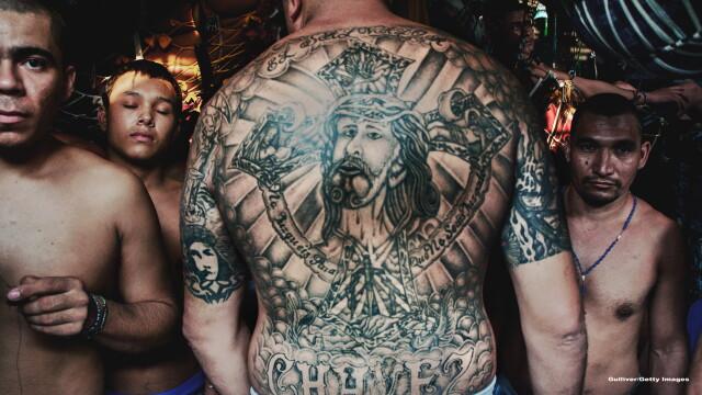 Membrii acestei bande de gangsteri din El Salvador sunt atat de violenti, incat au propria lor inchisoare. Ce este MS-13 - Imaginea 2