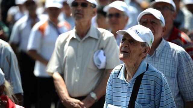 pensionari la un protest