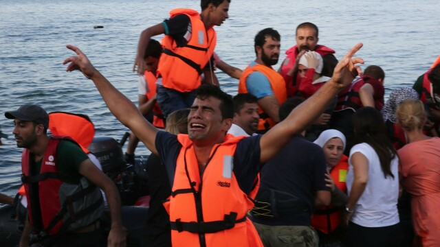 Lupta pentru supravietuire a imigrantilor, in IMAGINI: Europa, intre reticenta si compasiune - Imaginea 13