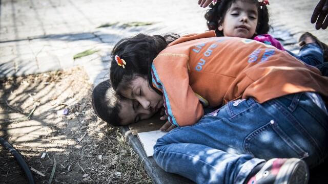 Lupta pentru supravietuire a imigrantilor, in IMAGINI: Europa, intre reticenta si compasiune - Imaginea 5