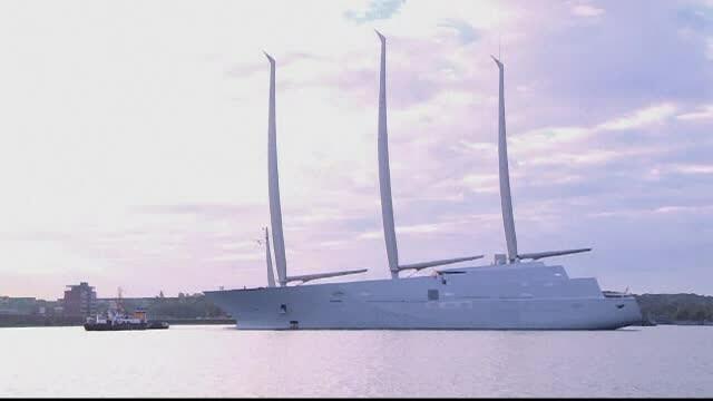 Cel mai mare iaht din lume a fost construit in Germania pentru un miliardar rus. Cum arata \