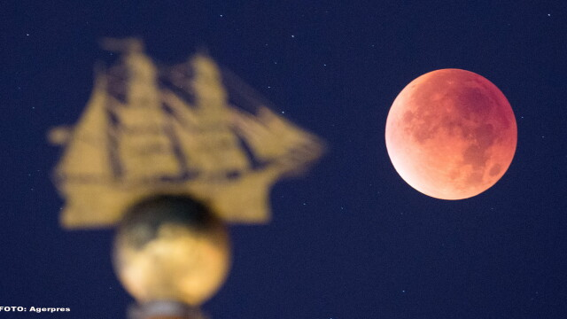 Cum s-a vazut eclipsa de Luna si Super Luna. GALERIE FOTO si VIDEO cu un eveniment astronomic foarte rar - Imaginea 4