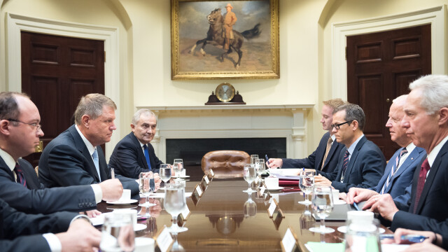 Iohannis l-a invitat pe Joe Biden la