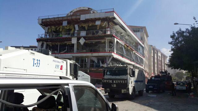 Explozie cu masina capcana in orasul Van din Turcia: 48 de oameni sunt raniti. Imaginile postate pe retelele de socializare