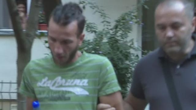 Tanar atacat pe o strada din Bucuresti de fostul iubit al prietenei sale. Motivul pentru care l-a injunghiat
