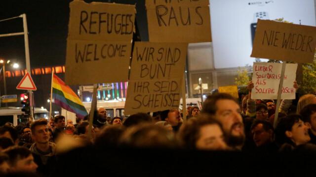 """Proteste în Germania după rezultatul alegerilor: """"Afară cu naziștii!"""" - Imaginea 3"""