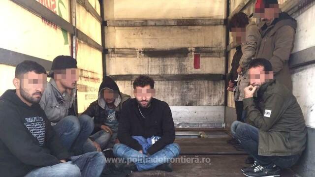 migranti irakieni gasiti in camion