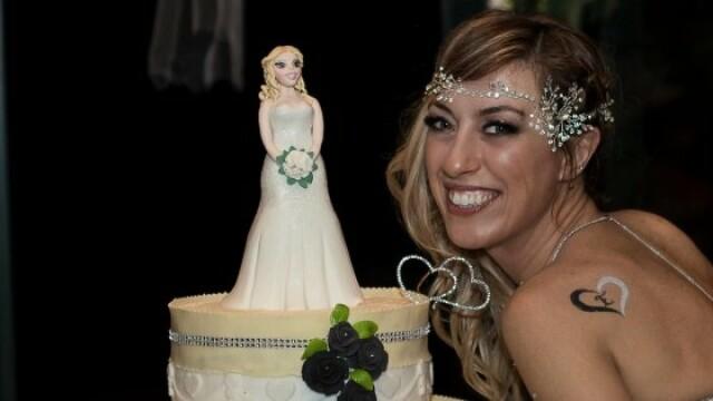 O italiancă s-a căsătorit cu ea însăși: \