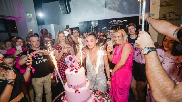 Alexia Eram, Andreea Esca, petrecere