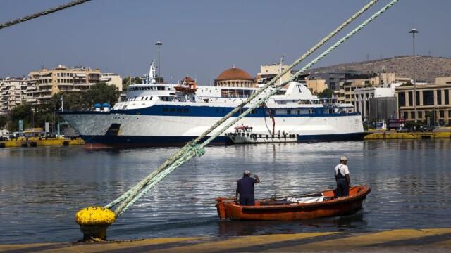 Avertizare MAE: Toate categoriile de nave vor fi blocate în porturile din Grecia