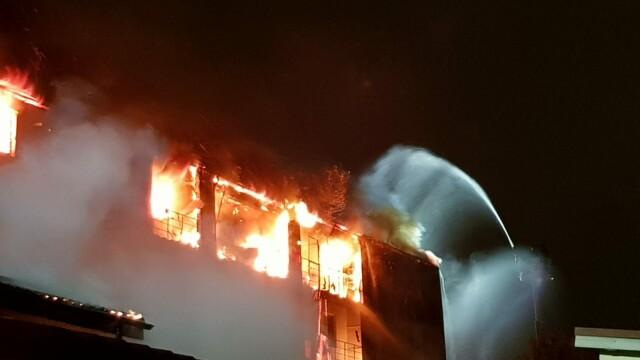 incendiu, bloc, capitala, ars, apartamente,
