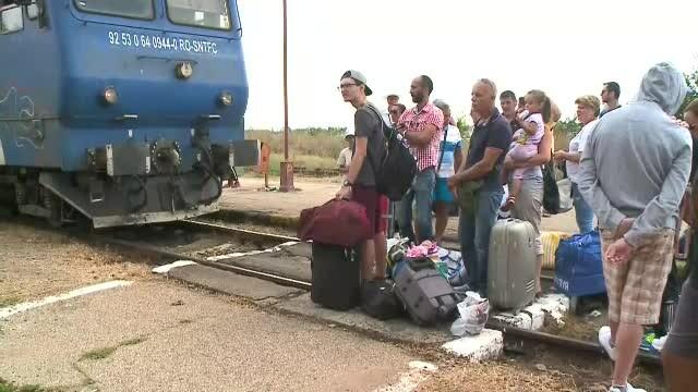 Protest în gara Eforie Nord, după ce sute de oameni au primit bilet la un tren cu un vagon