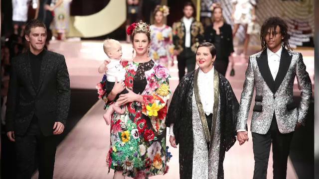 Renumita actriță Isabela Rosellini și-a condus fiica și nepotul la prezentarea casei Dolce&Gabbana