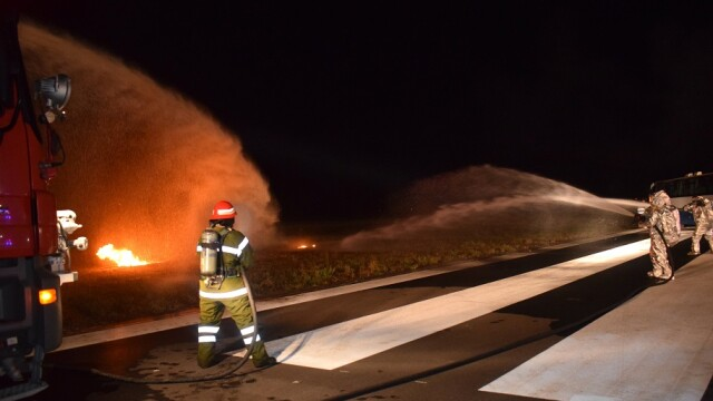 Catastrofă aviatică, simulată pe aeroportul din Târgu Mureş