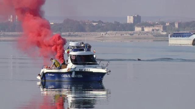 Exercițiu comun al pompierilor români și Bulgari, pe Dunăre. Scenariul urmat