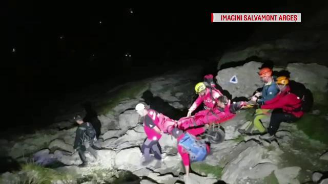 Turist din Timișoara, cu o fractură la un picior, coborât cu dificultate de pe munte