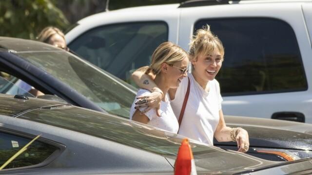 Miley Cyrus s-a despărțit de femeia pentru care divorțase. Mesajul postat pe Instagram - Imaginea 1