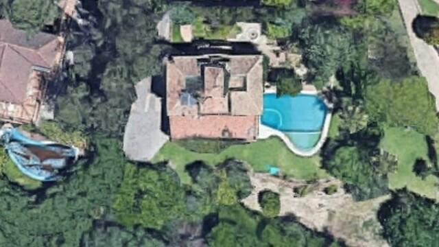 Bărbat găsit mort în piscină după ce a dat probe pentru un film pentru adulţi
