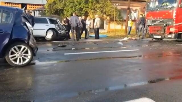 2 morți și 9 răniți în două accidente în care au fost implicate opt mașini, în Vâlcea - Imaginea 4