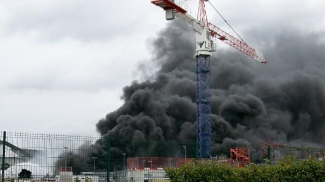 Incendiu uriaș la o uzină chimică în Franţa. Școli şi grădiniţe închise. Imagini apocaliptice - Imaginea 6