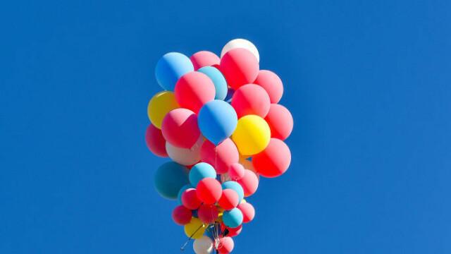 Cascadoria uimitoare realizată de iluzionistul David Blaine. Ce a reușit să facă cu 52 de baloane colorate - Imaginea 5