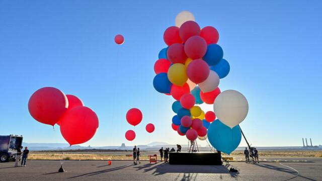 Cascadoria uimitoare realizată de iluzionistul David Blaine. Ce a reușit să facă cu 52 de baloane colorate - Imaginea 2