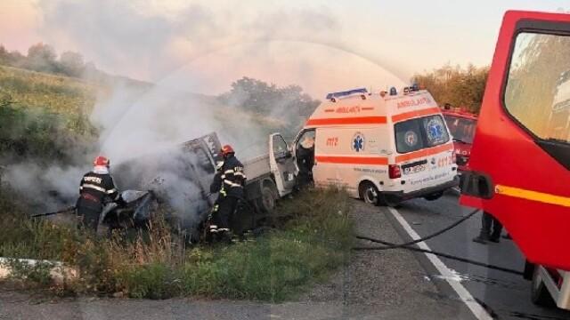 Accident grav între o ambulanță și o autoutilitară. Două persoane au murit. Cine sunt victimele - Imaginea 1