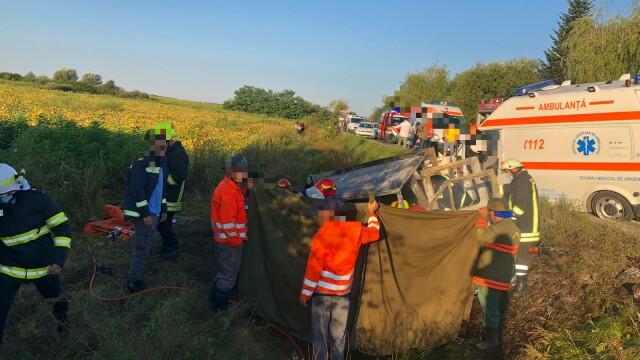 Accident grav între o ambulanță și o autoutilitară. Două persoane au murit. Cine sunt victimele - Imaginea 3