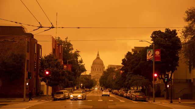 """""""Parcă m-am trezit pe Marte"""". Imagini post-apocaliptice cu cerul roșu din California - Imaginea 6"""