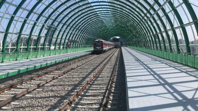 FOTO. Președintele și premierul României au testat trenul de la Gara de Nord la Otopeni - Imaginea 1