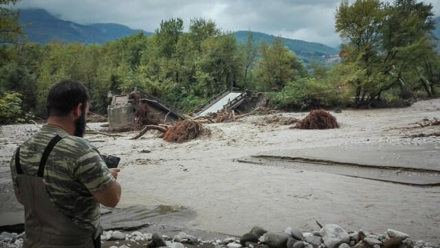 Dezastrul lăsat în urmă de furtuna Ianos în Grecia. Două persoane au murit și alta e dispărută - Imaginea 3