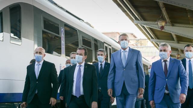 FOTO. Președintele și premierul României au testat trenul de la Gara de Nord la Otopeni - Imaginea 4
