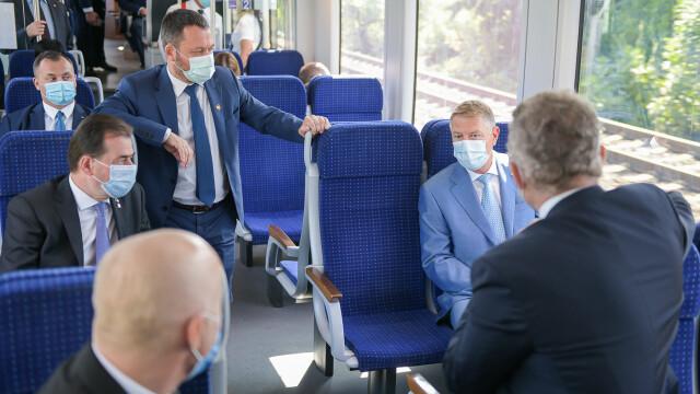 FOTO. Președintele și premierul României au testat trenul de la Gara de Nord la Otopeni - Imaginea 5