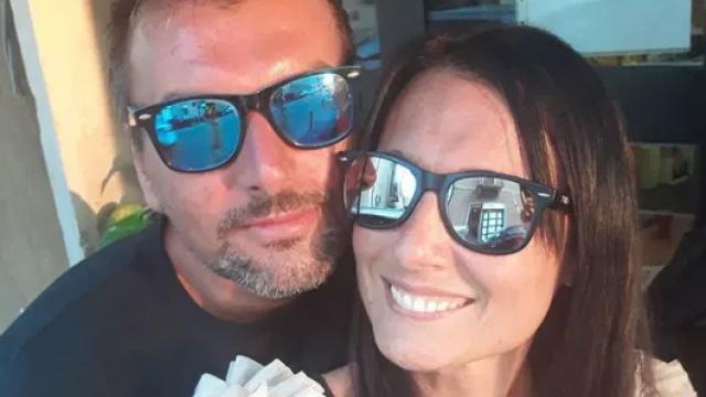 Povestea emoționantă a unui cuplu. S-au cunoscut în timpul izolării din Italia, pe balcoane și vor să se căsătorească
