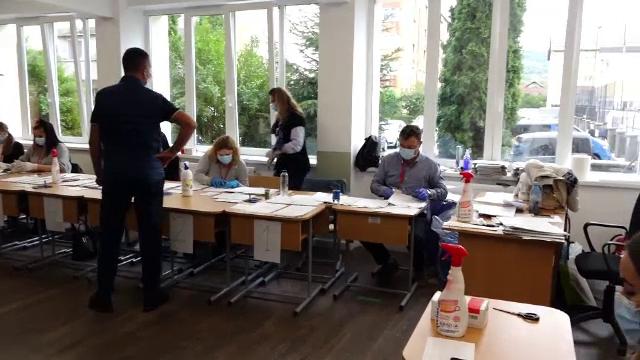 Sute de nereguli electorale, anchetate de poliție. Ce a pățit un alegător de 65 de ani din Bistrița