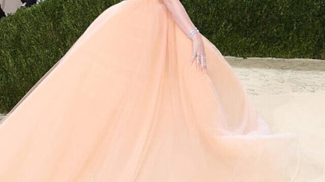 Covorul roșu, Met Gala 2021. Kim Kardashian și Naomi Osaka, apariții surprinzătoare. GALERIE FOTO - Imaginea 20