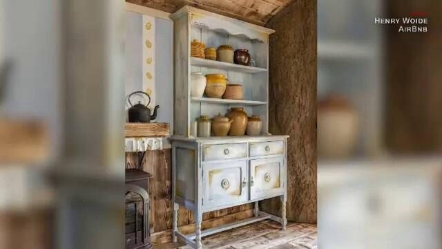 O casă care arată exact ca a lui Winnie de Pluș poate fi închiriată cu 95 de lire pe noapte. Unde este situată. GALERIE FOTO - Imaginea 3